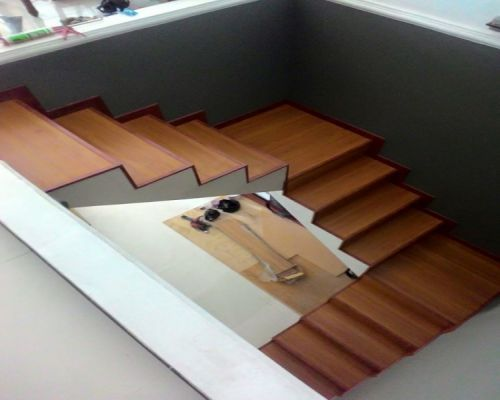 Sàn mặt bậc cầu thang chính hãng