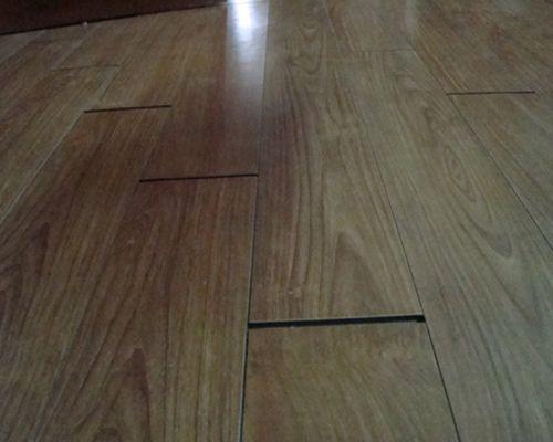 Sàn gỗ công nghiệp bị hở mạch ghép nối