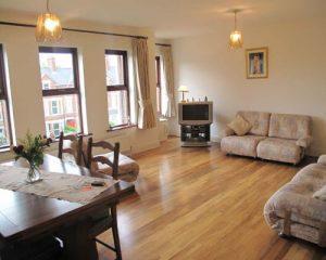 Sàn gỗ cho phòng khách chung cư