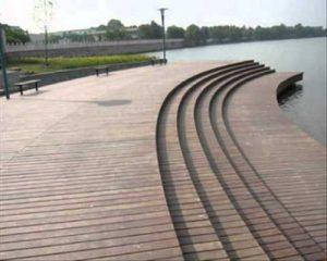 Sàn gỗ ngoài trời khu vưc hồ nước