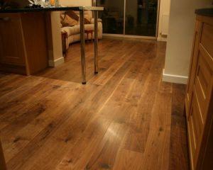sàn gỗ vân sần