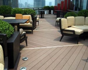 Sử dụng sàn gỗ ngoài trời cho khu vực sân thượng hay ban công