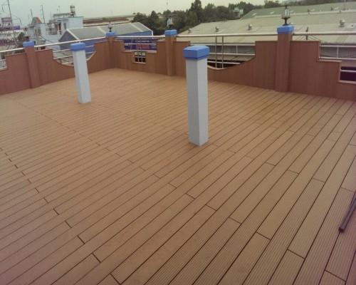 sàn gỗ ngoài trời sân thượng
