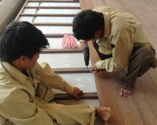 các bước thi công sàn gỗ ngoài trời