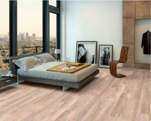 Sàn gỗ công nghiệp tạo cảm giác thoáng mát cho căn nhà