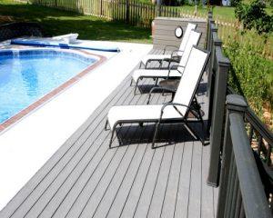 Gợi ý cho bạn một số ý tưởng hay nhất cho thiết kế bể bơi với sàn gỗ ngoài trời