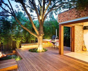 Dùng sàn gỗ nhựa ngoài trời lát cho không gian bể bơi có tốt không?