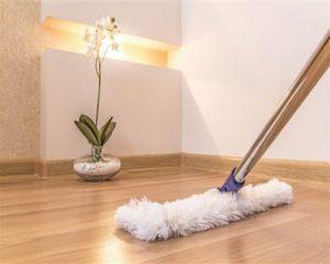 Hướng dẫn cách sử dụng và vệ sinh sàn gỗ đúng cách và hợp lí nhất