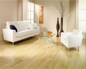 Bạn nên sử dụng sàn gỗ công nghiệp hay gạch lát nền cho không gian nhà mình