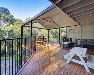 Bạn có nên lựa chọn sàn gỗ ngoài trời cho không gian sân thượng năm 2018 không