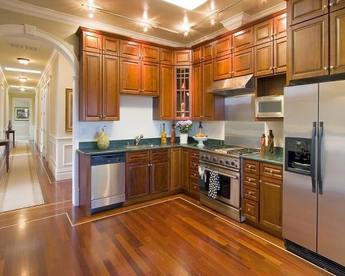 sàn gỗ nhà bếp sang trọng