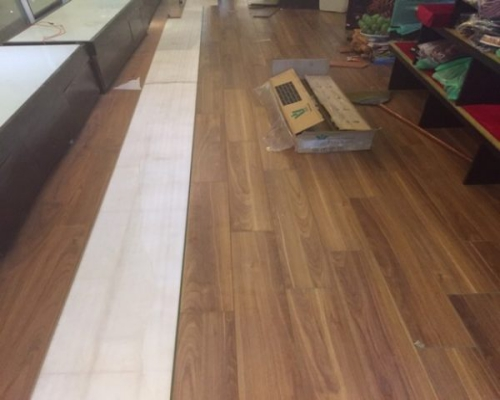 sàn gỗ công nghiệp màu óc chó