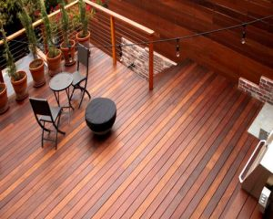 Một số đặc điểm khác biệt khi bạn lựa chọn sàn gỗ ngoài trời cho không gian sân thượng